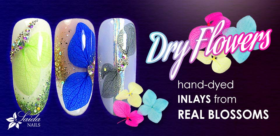 Dry Flowers - nail art with real blossoms